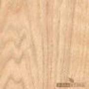 Шпон строганный (рифкат) из канадского (красного) дуба, сорт С. Количество: 20 000 м2. Длина: 05-2,5 м. Ширина: +0,1. Толщина: 0,005 м. фото