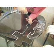 Монтаж и бетонирование надгробных изделий из гранита фото