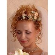 Аксессуары из живых и искусственных цветов: бутоньерки, цветы в прическу, браслеты фото