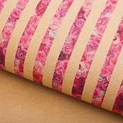 Подарочная упаковка бумага крафт Полосочки роз фото