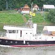 Переоборудование пр.376 Ярославец в моторную яхту Электрон фото