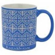 Кружка с изображением казахского национального орнамента цвет:синий фото
