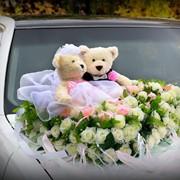 Свадебное оформление машины с мягкими игрушками фото