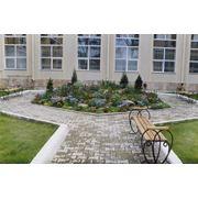 Прокладка садовых дорожек и площадок фото