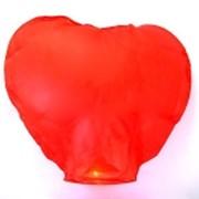 Небесный летающий фонарик сердце фото