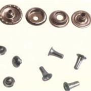 Фурнитура металлическая для швейной промышленности фото