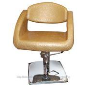 Парикмахерское кресло для клиента фото