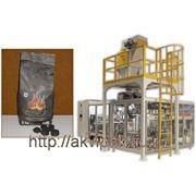 Автоматическая линия упаковки древесного угля фото