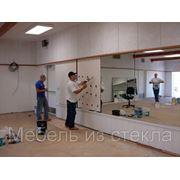 Установка зеркал,душевых кабин и др. изделий из стекла фото
