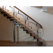 Металлические лестницы с декоративными элементами фото