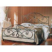 Кровати с элементами ковки фото