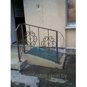 Перила для лестницы с элементами ковки фото