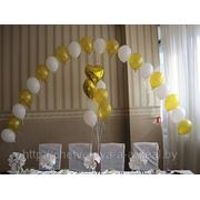 Арка из шариков и букет фото