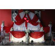 Украшение свадебного зала в красном цвете фото
