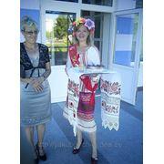 Незабываемая свадьба под руководством опытной ведущей! Яркая шоу-программа, интересные конкурсы, свадебный макияж невесте в подарок!!! фото