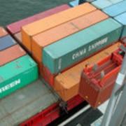 Перевозка контейнеров и малых партий грузов фото