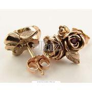 золотые серьги. фото