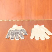 Перчатки рабочие трикотажные с ПВХ точкой / перчатки вязанные с фото