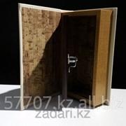 Книга сейф в деревянной обложке Наши семейные ценности фото