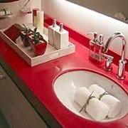 Столешница из искусственного камня для ванной комнаты фото