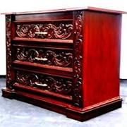 Мебель из натурального красного дерева фото