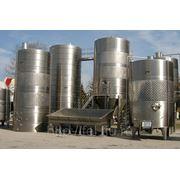 Резервуары для нефтепродуктов, пожарной и питьевой воды, вина, молока, и других жидкостей фото