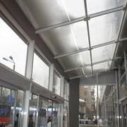 Алюминиевые дверные конструкции и аксессуары фото