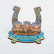 Статуэтка деревянная Три обезьянки на большой подкове 9*9 см фото