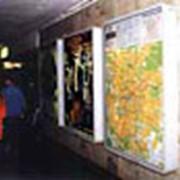 Реклама в метро: Щиты в вестибюлях и переходах станций метро фото