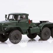 Масштабная модель Урал-375-К1 седельный тягач фото