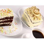 Пирожные в ассортименте фото