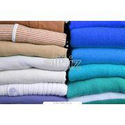 Оптовая продажа одежды сток фото