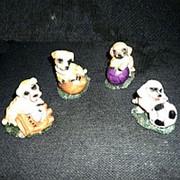 Сувенир Собаки с разными мячами 1/4 фото