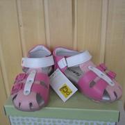 Детские кожаные сандалии розовые с фуксией фото