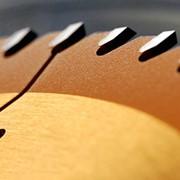 Порезка листовых материалов на форматно-раскроечном станке: фанера, лдсп, дсп, двп, осб, qsb, мдф, мебельные щиты шпонированные. Распиловка без сколов и задиров. Доставка готовых деталей на объект. Харьков. фото