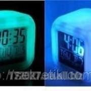 Часы-будильник Хамелион с термометром, меняет цвет фото