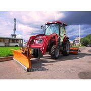 Коммунальный трактор TYM T433 фото