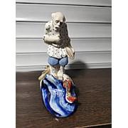 Фарфоровая статуэтка Старик и рыбка фото