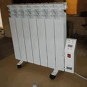 Электрорадиаторы отопительные бытовые Эрмут для обогрева жилых помещений напольного (на роликах) и настенного исполнения, температура на поверхностности радиатора задается и поддерживается электронным терморегулятором в диапазоне 35-80°С с дискретн 1 С фото