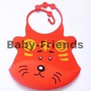 Слюнявчик пластиковый Тигр (красный) фото