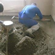 Стяжка из полусухой цементно-песчаной смеси фото