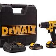 Дрель-шуруповерт с двумя аккумуляторами DeWalt фото