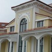 Оформление фасадов фиброгипсовым декором фото