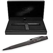 Шариковая ручка Parker Premier Black Edition, толщина линии М, никеле-палладий, черный фото