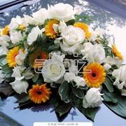 Изготовление цветочных украшений для свадебных автомобилей фото