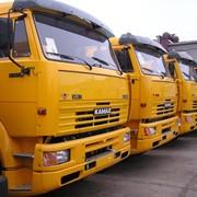 Перегон товарных грузовиков и автобусов фото