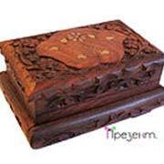 Шкатулка деревянная резная с латунью и секретным замочком фото