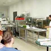 Обучение персонала работе на профессиональном кухонном оборудовании фото