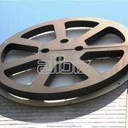 Услуги по производству кино- и видеофильмов,производство телевизионных программ фото