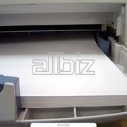 Белая офисная бумага фото